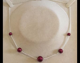 Necklace in shades of Burgundy glass beads
