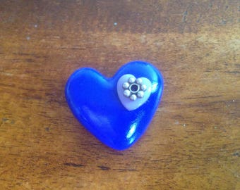 Small heart brooch made of polymere clay
