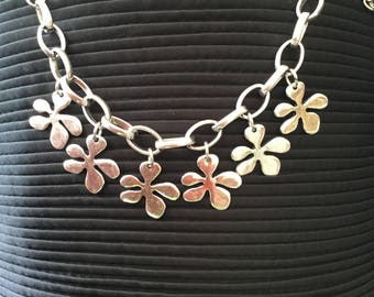 Silver coloured daisy bracelet