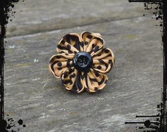 "Wax ""Panther"" kanzashi flower ring"