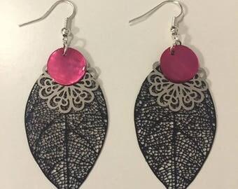 Pair of earrings leaves black rosette and Pink Pearl