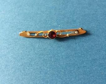 Victorian Gold and Garnet bar brooch c1900