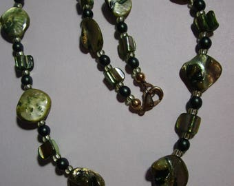 Green glass and shell beaded necklace