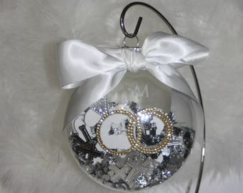 FREE SHIPPING Personalized Wedding Christmas Ornament Keepsake Glass  with Names and Date of wedding