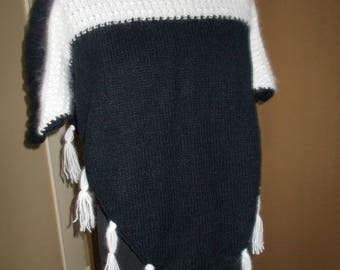 Pullover Poncho knitted by hand in acrylic and Angora (2)