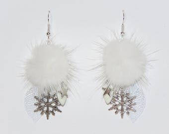 "Tassel earrings fur prints white snowflakes, Star ""earrings Poumpoumpidou"" charm Pimprenellecreations"