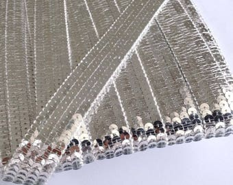 Stripes glitter silver round sequins in 4 rows sold has Cup