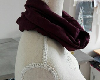 Burgundy scarf snood for mid-season