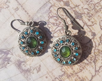 Striking Vintage 1970's Aztec Earring (pierced ears)