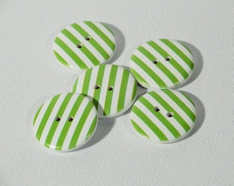 Set of 10 wooden buttons striped green 15mm