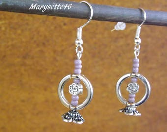 Earrings with soft tones