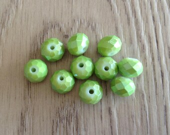 10 x green faceted rondelle glass beads