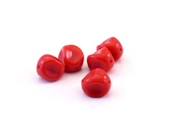 Red set of 5 twisted beads