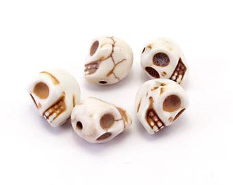 Set of 5 skulls white howlite off