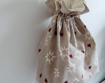 Bread bag cotton hearts and edelweiss on beige, Interior background cotton