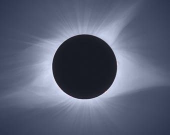 Total Solar Eclipse - Close Crop