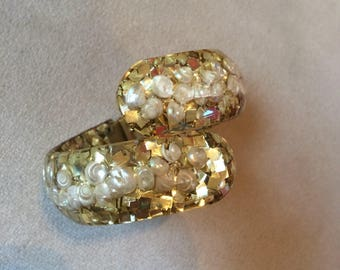 1950's Gold confetti & shell clamper cuff bracelet
