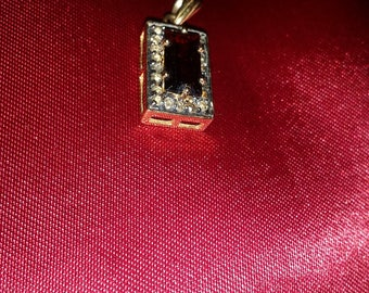 14ct gold garnet and diamond Art Deco pendant Excellent Condition