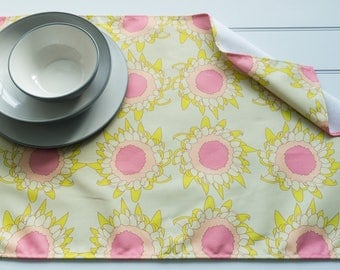 Tea Towel in Gaillardia Bud Apple Pattern Made from 100% Cotton