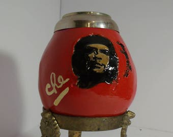 Vintage Argentia mate with Che Guevarra