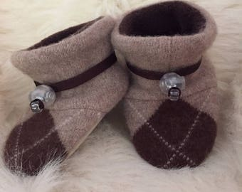 Ultra soft Argyle wool baby booties from Toggle Toes, non-slip soft sole shoe, in infant 4-12 months or baby shoe size 1-3.5