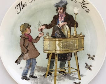 """Wedgewood Bone China - Made in England - 1985 """"The Baked Potato Man"""" - Handpainted by John Finnie and signed by him Collectible Plate"""