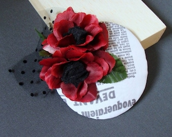 """Bibi"" hat / fascinator - newspaper with flowers"