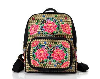 Mochila Bordada Flores/ Embroidered Backpack