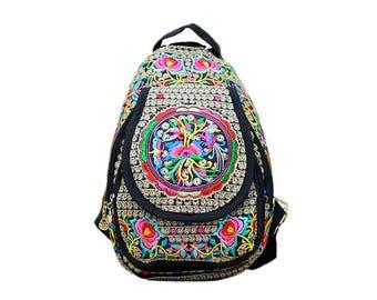 Mochila Bordada Crakra/ Chakra Embroidered Backpack