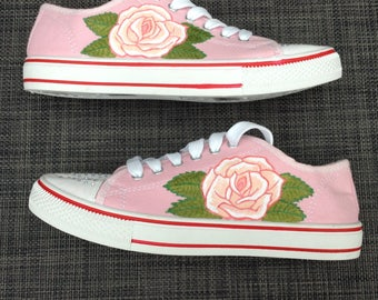 Handpainted shoes (pink roses)