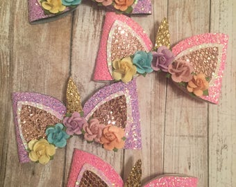 Handmade, Unicorn Bow, Unicorn, Glitter, Glitter Bow, Magical (Color of Flowers may vary depending on availability)