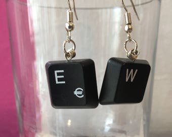 "Handmade ""kboard"" earrings with recycled materials"