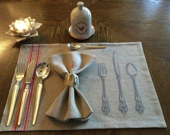 "Embroidered square-set ""silverware"" made of antique linen-mangle"