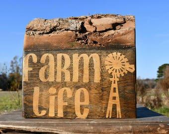 Live edge 'farm life' sign