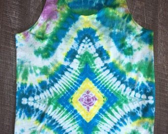 Iced tie dye. tropical vibes