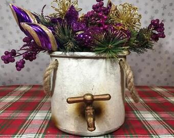 Christmas water bucket