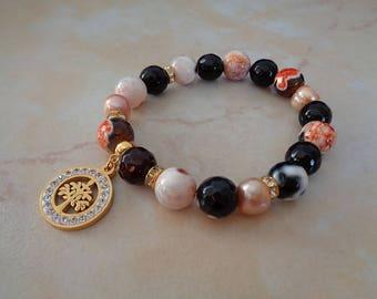 Bracelet made of agate and pearls