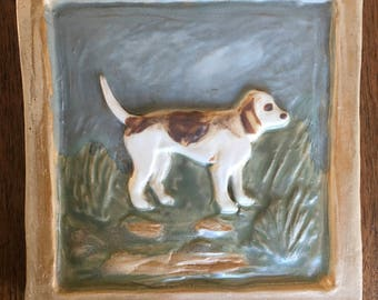 """6"""" relief Tile with Beagle"""