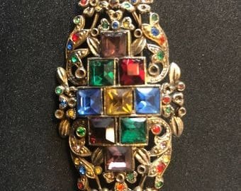 Vintage colorful broach in gold