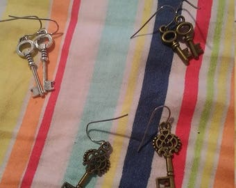 Key earrings, different colours and sizes