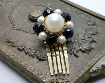 1950s – 1960s Mid Century Style Hair Comb - Cluster Faux Pearls and Glass Beads 50s - 60s