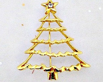 Christmas Tree Pin Brooch / Vintage Holiday Jewelry / Goldtone Pin / Christmas Jewelry Gift