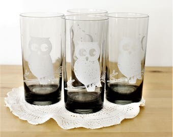 Vintage Set of 4 Owl Tumblers, Owl Motif Drinking Glasses, Smoked Glass Night Owl Tumblers, Owl Cocktail Glasses, Grey + White Owl Glasses