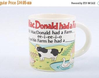 Vintage, Mug, Old MacDonald had a farm, Ceramic cup, Pig Figurine Inside, Farm, Animals, Picture, White ~ The Pink Room ~ 170314