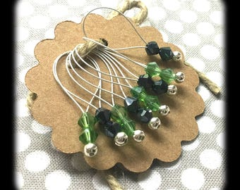 Snag Free Stitch Markers -Large Set of 8 - Green and Black Crystal - N32 - Fits up to Size US 17 (12.75mm) Knitting Needles