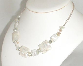 Cream Mother of Pearl Shell Choker Necklace