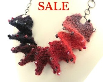 S A L E - Yarn Spiral Necklace Knitting Kit - Rouge