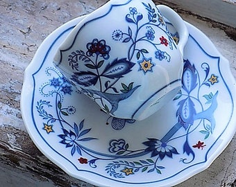 Vintage Cup and Saucer Avon European Tradition The Netherlands
