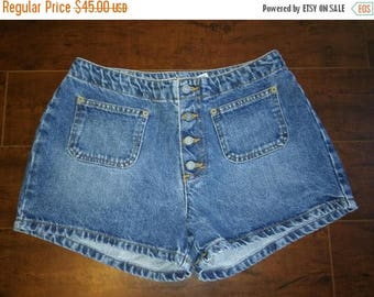 Closing Shop 40%off SALE 90s Calvin Klein shorts Button Fly Short Shorts    W 28  waist  Size 5