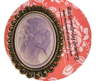 Lavender Lady Cameo Pin